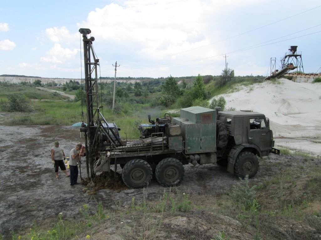 Поисково-оценочные работы на месторождении строительного песка «Белый Колодец» в 2013 г.